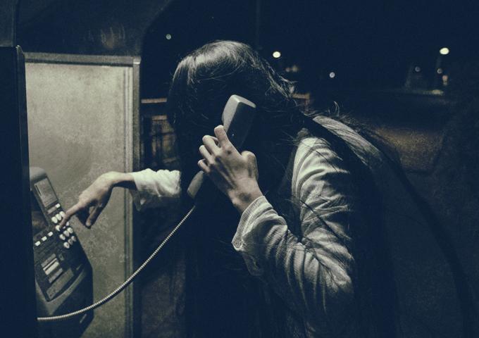 ストーカーによる深夜の悪戯電話