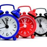 写真:営業時間は10時~19時ですが、21時にするべきか