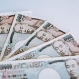 写真:不倫カップルの1ヵ月のデート代が5万円を超えるなら?